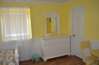 YellowRoom2