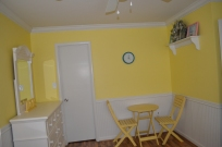 YellowRoom4